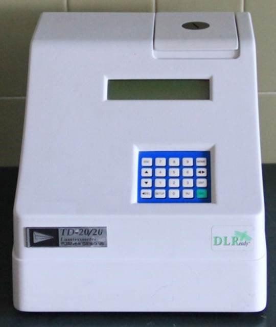 Equipamento de laboratório – Luminómetro – MARE-UCoimbra